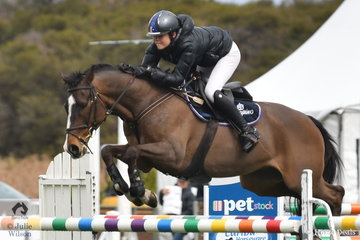 Yesterday Jasmine Dennison and Bubble and Squeak won the ISJ Victoria Young Rider Championship Round 1 and today took sixth place.