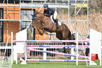 Angela Dobbin rode Gabriel MVNZ to fourth place in the Hygain Stars of the Future Round 2 and Miranda MVNZ (pictured) to sixth place in the same class.