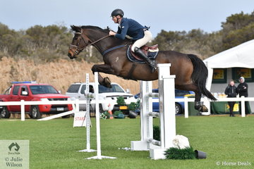 Local vet, Adam Johnson jumped a clear round aboard Up, in the Hygain Stars of the Future Round 2.