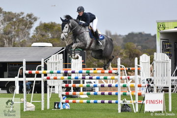 Young rider, Georiga Price rode Batman Xtreme in the Hygain Stars of the Future Round 2.