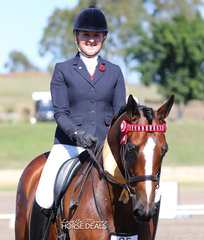 "Winners of the Preliminary Hack 15-16hh class ""Jazzman"" and Jessica Hobson."