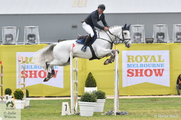 Stuart Jenkins rode Blackall Park Penny Lane to third place in the Group B One Round contest.