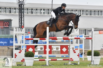 Jess Stones jumped clear until the very last fence in the Mini Prix aboard her, 'Daimond B vermont'.