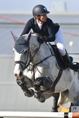 There is no doubting which direction Ally Lamb intends to turn. She is pictured aboard her super talented Eurocommerce Berlin stallion, 'Eagle Rock' during the Melbourne Royal World Cup Qualifier.