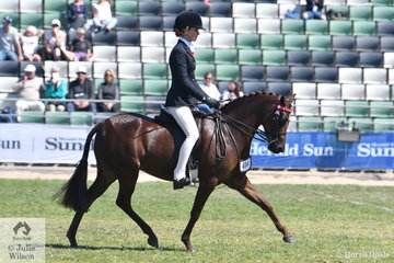 Ebonie Lee rode Tamara Lee and Cassandra Fasan-Jones' nomination., 'Kyandra Picturesque' to take out the Fairlight Acres Trophy Reserve award.