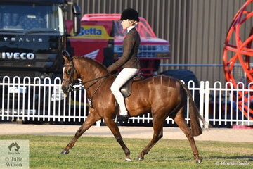 Jess Stones rode the charming, 'Owendale Valencia' to win the class for Open Show Hunter Pony 12-12.2hh and go on to claim the 2018 Royal Melbourne Show Small Show Hunter Pony Championship.