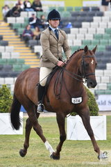 Jayle Kerr rode his, 'DP Standing Ovation' to take fourth place in the class for Open Show Hunter 15-15.2hh.