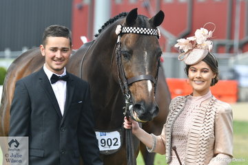 There were smiles all around for Fashions at the Show entrant and beautifully dressed, Rachelle O'Connor, her horse, 'DP Cobalt' and horse wrangler if necessary, Nathan Hayes.