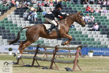 Heleni Goodman representing the Oaklands Hunt Club rode Kevin Maher's, 'Yarra Munda Ruby' to win the Noel Mason Memorial Hunter's Plate and take sixth place in the SA Greaves Memorial Hunter's Plate.