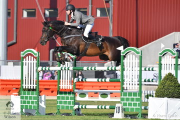 Aaron Hadlow rode Matina Butcher's, imported stallion Twins Easton to eighth place in the Colin Kelly Memorial Group B contest.