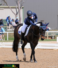 Anna Jarvis praises her horse RC Finley after their dressage test in the EVA 80cm.