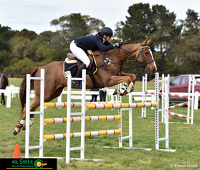 Kayla Smit and Mount Anakie Crescendo represent Western Australia in the Secondary 105cm Combined Training over the first two days of the 2018 Interschool National Championships.