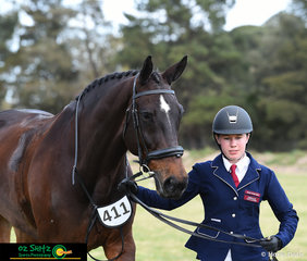 After travelling all the way down from Queensland Bridget Hegerty and Fairbanks Ipod competed in the Show Hunter Secondary Class.