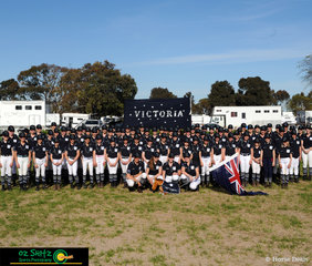 The hosting state, team Victoria take the time to gather around and get a group photo before the start of the full on week at the 2018 Marus Oldham Interschool National Championships.