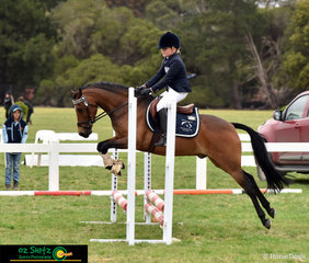 Victorian rider, Rosemary Heagney spent her afternoon completing the jumping phase of the Primary 45cm Combined Training on the second day of the Marcus Oldham Interschool National Championships.