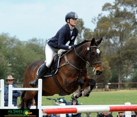 Stephanie Ivanovic and Mighty Tosca represent Victoria in the CNC One Star class at the 2018 Marcus Oldham Interschool Nationals.