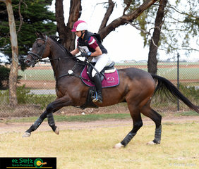 Competing in the EvA105 representing Queensland was Bella Anthony and she rode Under Contract.