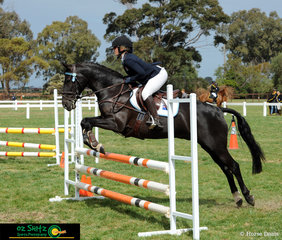 Alexandra Inglis and His Royal Emblem enjoy some time out in the sun jumping around the Primary 80cm course at the National Equestrian Centre.