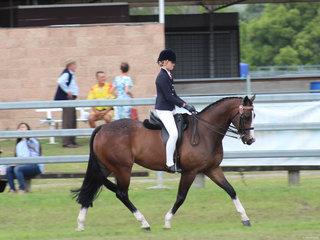 Champion Senior Girl Rider Isabelle Ellis