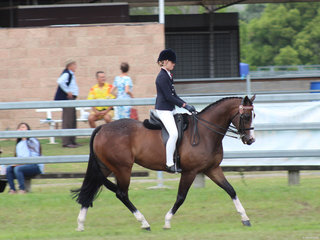 Champion Senior Girl Rider Isabelle Ellis