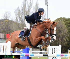 Last ride of the day suited Gabrielle Kuna and Flaire as they rode into 5th place in the first round of the Senior Titles at the NSW State Show Jumping Titles at Canberra Showgrounds.