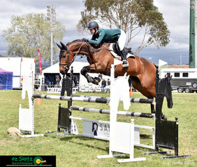 Katie Lee and Laurel Glen Viva Voce certainly showed off their scope in the Open 1.10m.