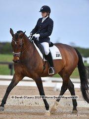 Revelwood Fleur ridden by Abbie Obrien in the Medium 4.2 scoring 63.889%