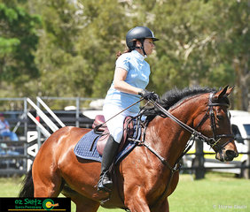 Making their way around the main ring of the Spring Show Jumping Classic at Cabarita Beach was Dash of Sass ridden by Jodie Skeel.
