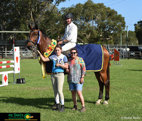 John Robertson won the 1.10m Brian Moorhouse Memorial presented by his wife Jill Moorhouse and daughter Talei Moorhouse