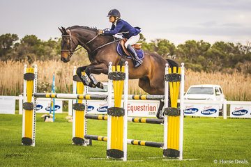 Jane Powell and Hemsworth completed their round in the 120cm with a score of 76.67.
