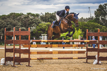 Ally Lamb and Denison Park Discovery finishing out of the money with 1 fault and a time of 89.64 in the Open 125cm.