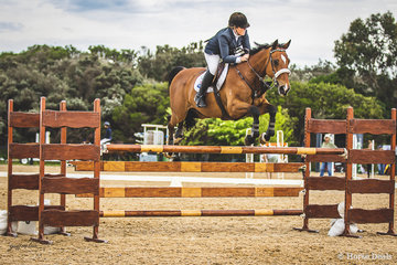 Michelle Clinton-Brent and El Nino Vivace in event 3 the open 125cm.
