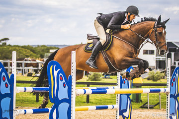 Clem Smith (QLD) and Delilah had a great hit out for the Australian Show Jumping Championships in strong competition taking out the Open 125cm Div A with a score of 68.15.