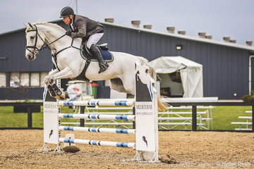 The master Laurie Lever and City Lights from Somerville, Victoria, clear jumping but taking 1 time to finish out of the money in the Open 115cm.