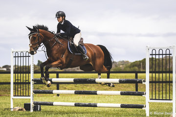 Lucie Aldridge and Twins Royalty having a good day out in the Open 95cm.
