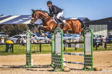 Crowd favorites Billy Raymont and Anton in the 1st round of the 2018 Horseware Boneo Cup. Anton is by Abke out of Hauptstutbuch Gragentina.