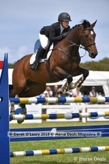 """Emma Isbister from WA riding """"Lafayette MVNZ"""" in the Australian Young Rider Championship"""