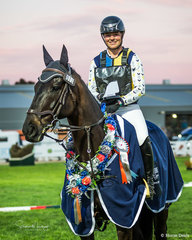 Sophie Fox and 'Mr Pig' win the Australian Open Exhibition