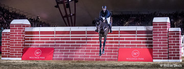 Stephen Dingwall and 'Cavalier Ludicrous' WIN the Willinga Park Puissance clearing 2.05m