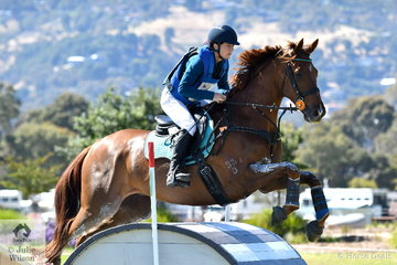 Kristen Twining from WA posted a good clear jumping round aboard her Thoroughbred, 'Newhope Sparks Fly' in the  cross country phase of the Horseland CCI 2*.