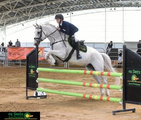 Having two rides in the 1m class on Saturday Oz Shotz sponsored rider matched the Oz Shotz jump with his 8 year old gelding Kinnordy GR Rudy