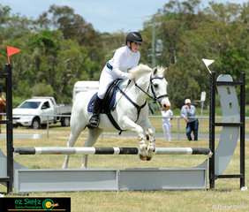 Queensland Interschool rider, Mia Pace and her 16 year old gelding, Sammy compete in the 60cm and 70cm classes over the weekend at the Queensland Indoor State Championships.