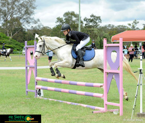 With a quick time of 75.12 secs Laura Gentner and her 10 year old mare Cloud were quick enough to take out second place in the 70cm class on Sunday