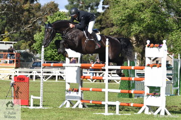 The seemingly unstoppable, Brook Dobbin rode Wendy Keddell's, 'Gina MVNZ' to post two super rounds to claim the 2018  Australian Quality Pet Foods Future Stars  class at the Sale World Cup Show.