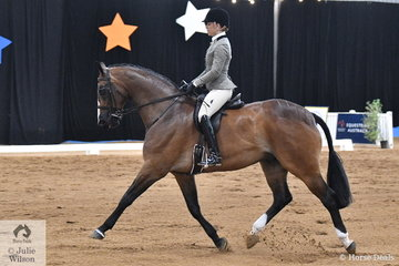 Riding for South Australia, Alana Richards took out the the National Large Show Hunter Hack Runner Up award with her Fishermans Friend gelding, 'Ribbleton France'. Earlier in the day, Alana took third place in the Rider 18-25 Championship.