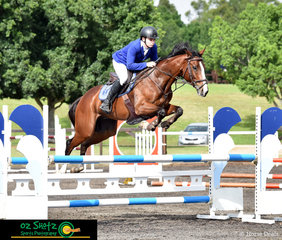 5th out in the Open 90-1.00m was Cade Hunter riding his gelding Just Benny at the Summer Show Jumping Classic.