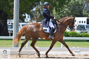 Suzanne Robbins rode her delightful, Vancouver Park Gifted Girl in the Advanced 5.2.