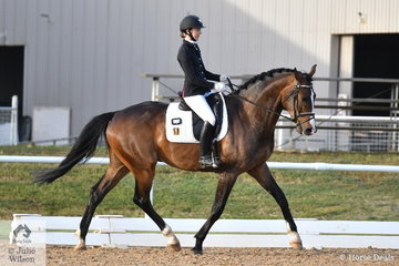 Caitlin Scott rode Diverbrook Skidaddle to fifth place in the 4 year old class. With a forecast that was correct of 39 degrees and 40 km winds, all tests started two hours earlier, with Caitlin riding just after 7am.