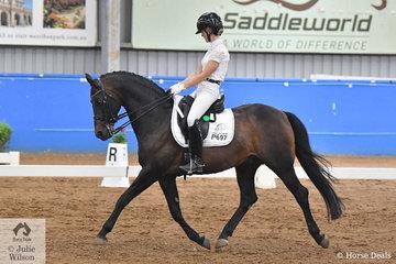 Allysse Smith rode the imported Part Arabian pony stallion, Kielshoop Honey Hill in the Pony Prix St George.