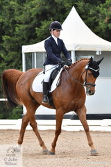 Charlotte Gibbons rode Let's Make Music in the Participation Preliminary 1.2.